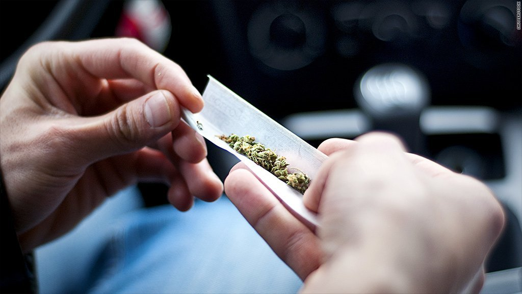 More College Kids Smoke Pot Now Than Cigarettes, Survey Finds